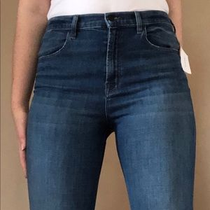 J BRAND JEANS: Johnny Mid Rise in Striker